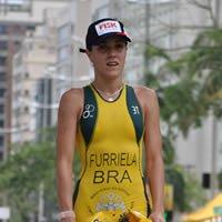carol furriela Triatletas do ano 2010: participe da votação e concorra a um tênis da Asics