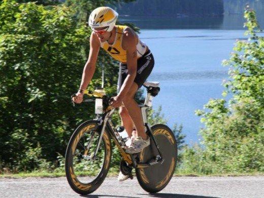 2thumbs.php  520x390 Craig Alexander e Julie Dibens vencem em dia de quebra de recordes no Ironman Coeur DAlene