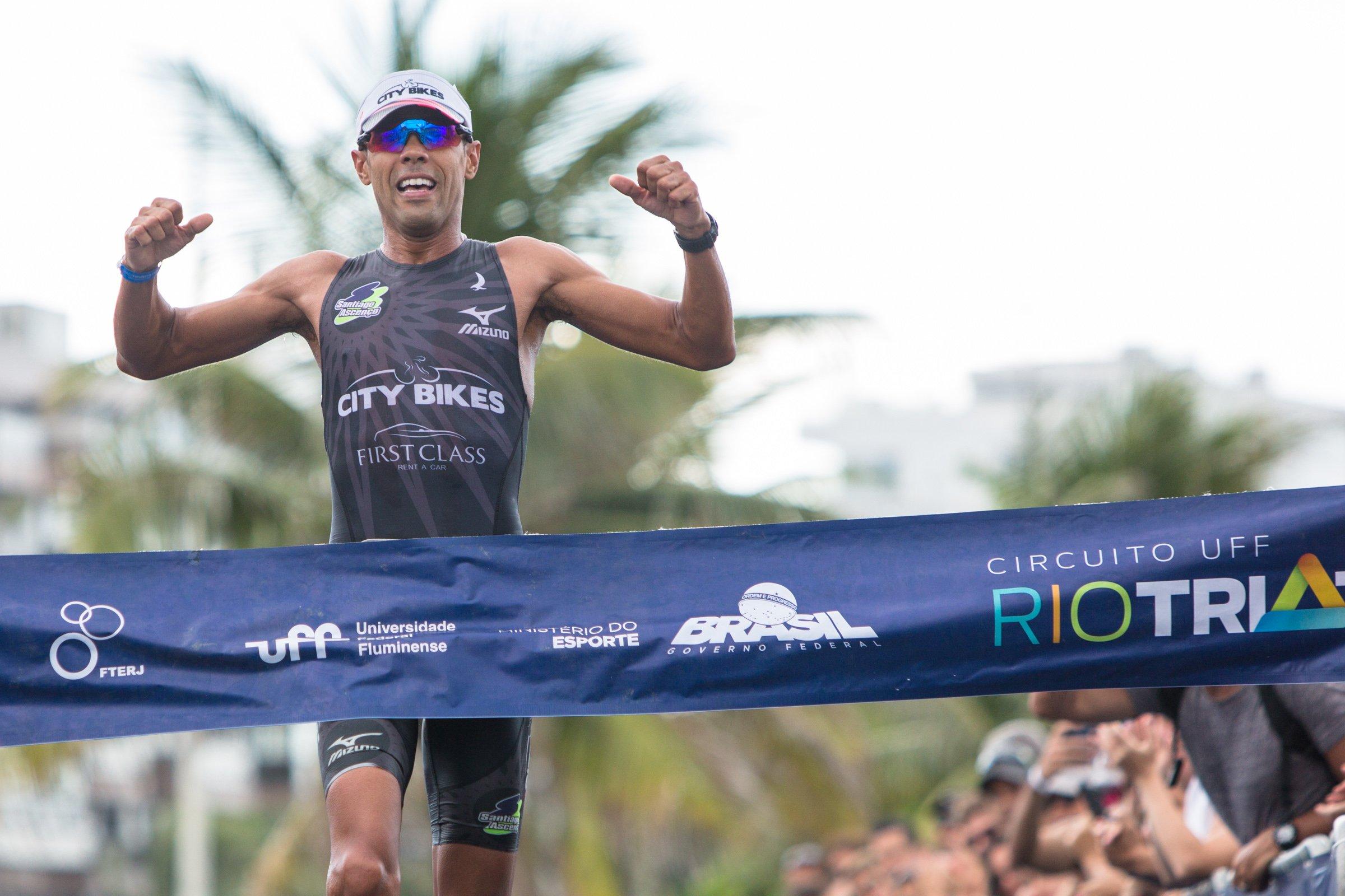 Circuito Uff Rio Triathlon : Santiago ascenço e bia neres vencem ª etapa do circuito